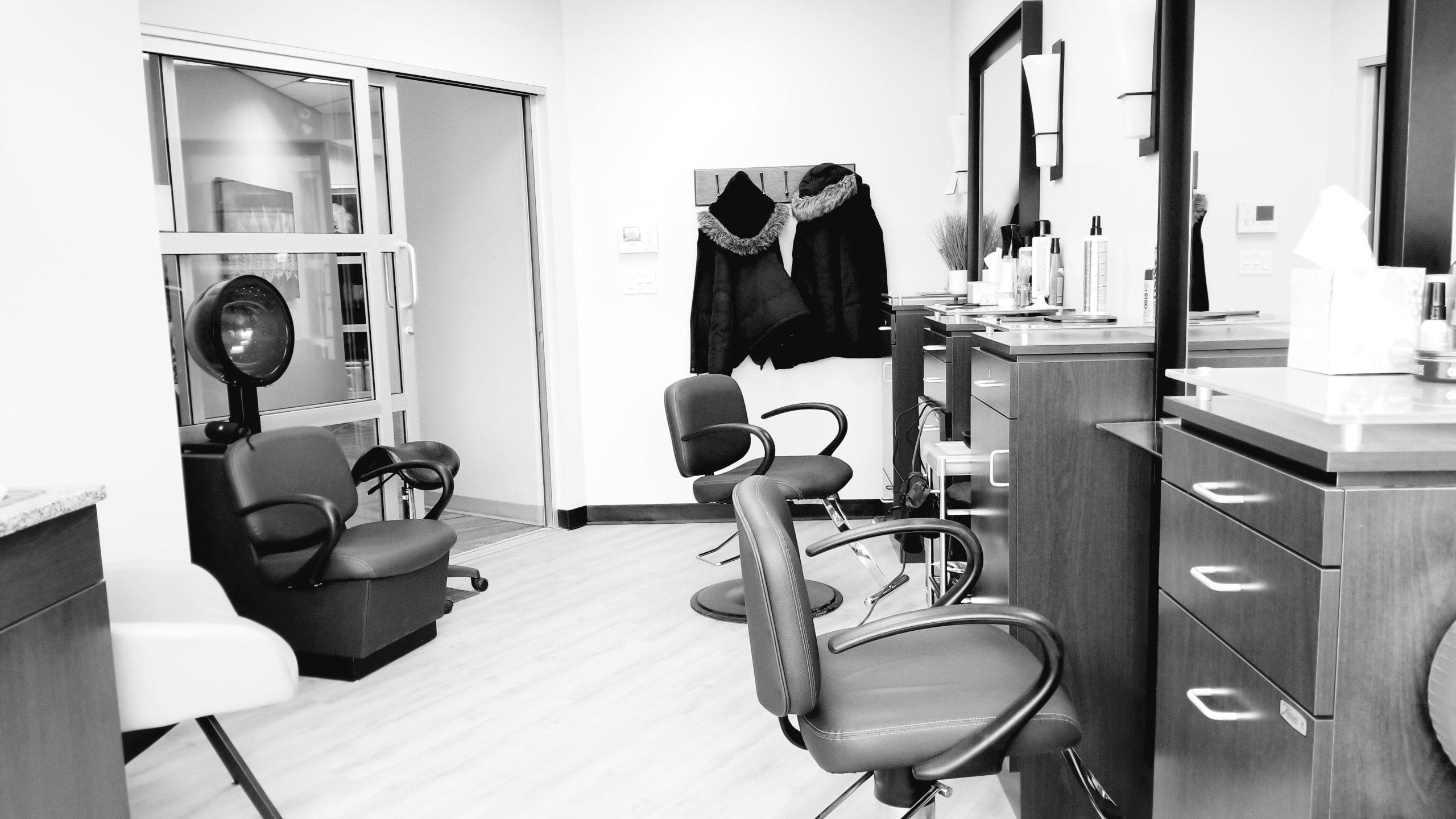 A visit at Lighten Up Hair Boutique